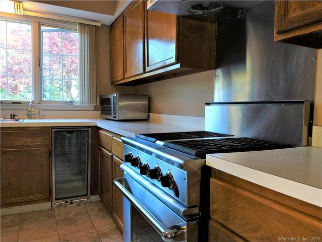 5 Tunxis Villiage, Unit 5 Farmington, CT 06032