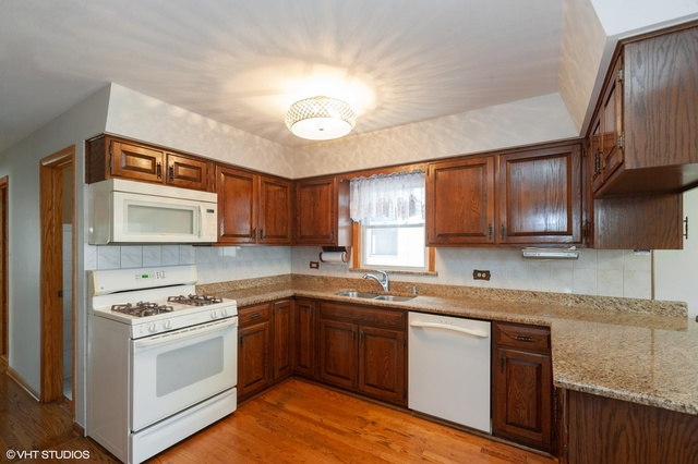 3542 North Nagle Avenue Chicago, IL 60634