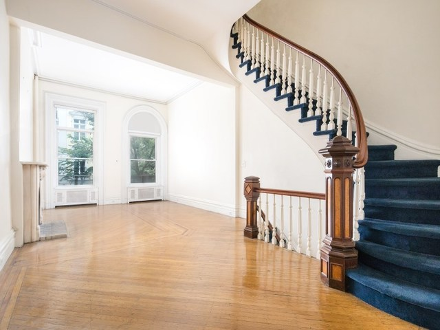 179 East 64th Street, Unit 1 Image #1