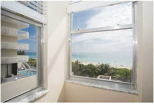 6039 Collins Avenue, Unit 501 Image #1
