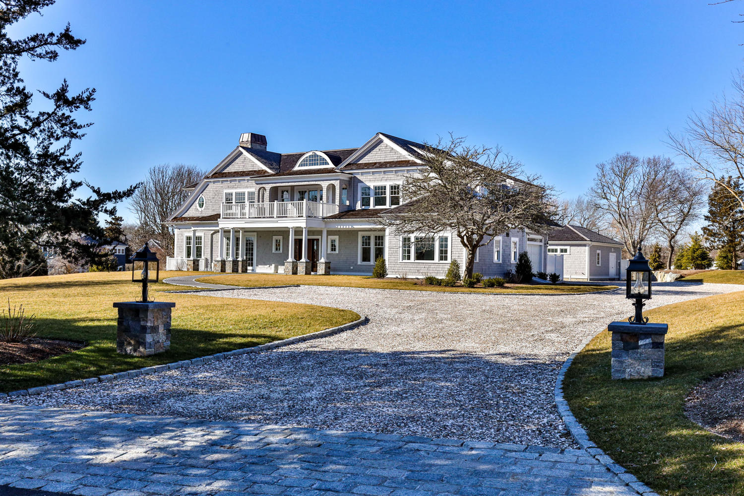 28 Oyster Pond Lane Chatham, MA 02633