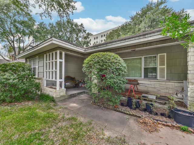 3722 Las Palmas Street Houston, TX 77027