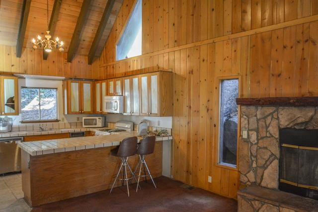 1153 Bear Springs Road Rimforest, CA 92378