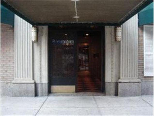 433 West 34th Street, Unit 15D Image #1