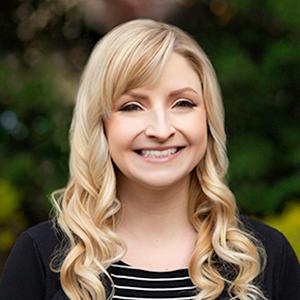 Lauren Pilla,                       Agent in Philadelphia - Compass