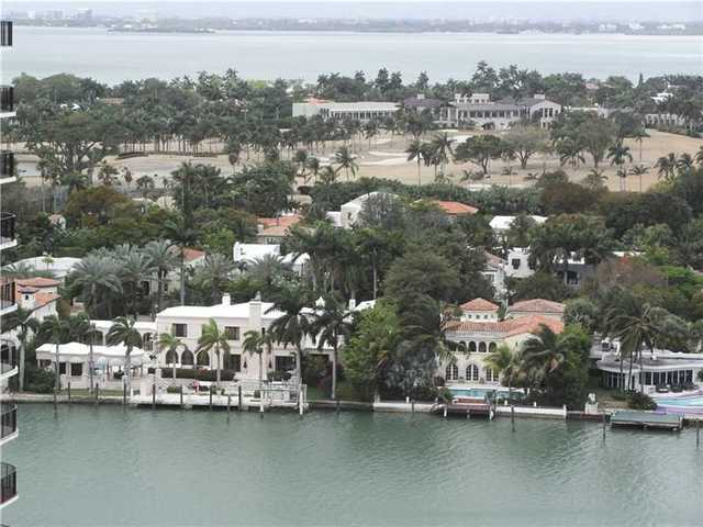 5701 Collins Avenue Image #1