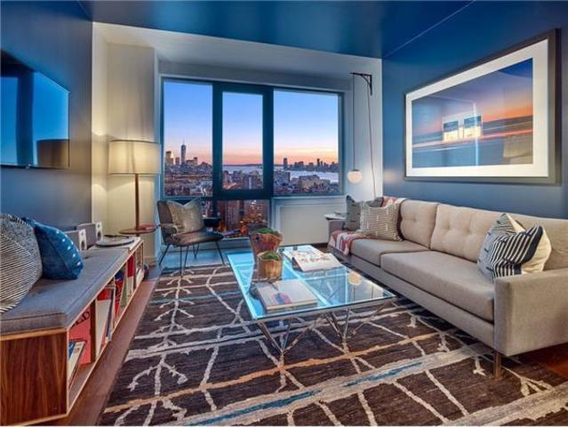 435 West 31st Street, Unit 16M Image #1