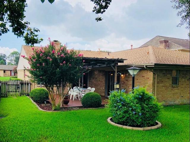 15727 Echo Hill Drive Houston, TX 77059