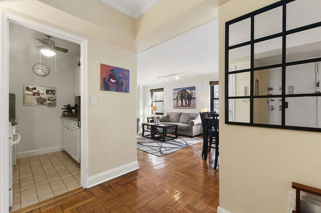 135 East 54th Street, Unit 12H Image #1