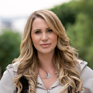 Courtney Moran, Agent in Los Angeles - Compass