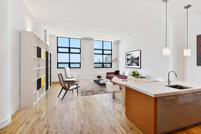 360 Furman Street, Unit 935 Image #1