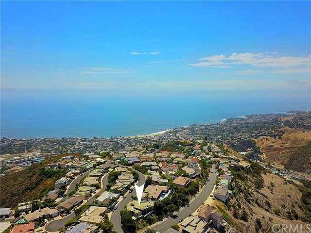 1488 Pacific Avenue Laguna Beach, CA 92651