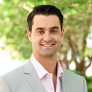 Tomas Schlesinger, Agent in Miami - Compass