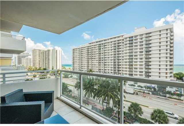 5600 Collins Avenue, Unit 8W Image #1
