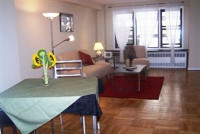 220 East 54th Street, Unit 2D Image #1