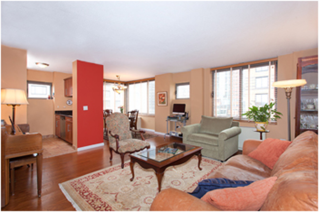2 South End Avenue, Unit 8I Image #1