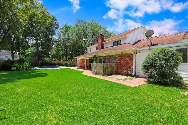 18619 Carriage Court Houston, TX 77058