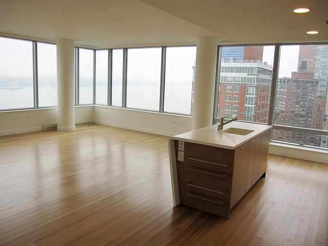 2 River Terrace, Unit 24E Image #1