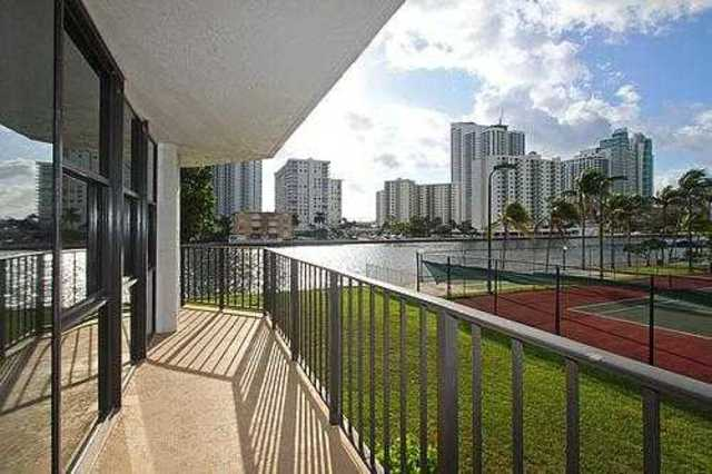 1000 Parkview Drive, Unit 220 Image #1