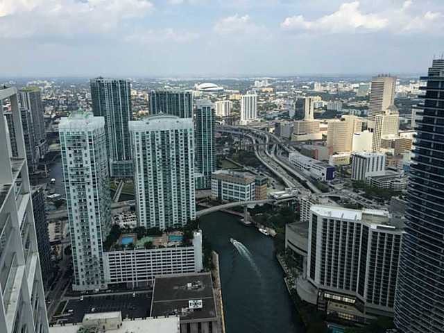 465 Brickell Avenue, Unit 5506 Image #1