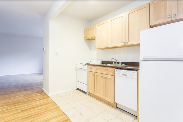 451 East 83rd Street, Unit 9B Image #1