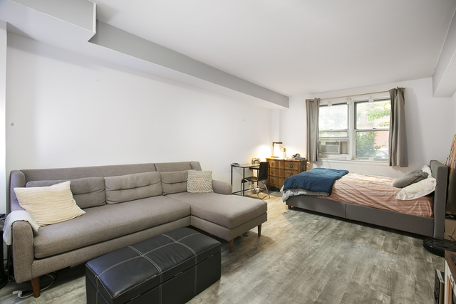 759 East 10th Street, Unit 1C Brooklyn, NY 11230