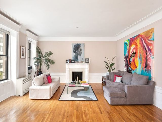 26 East 81st Street, Unit 4S Image #1