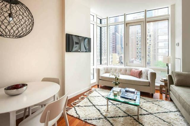 306 West 48th Street, Unit 3D Image #1