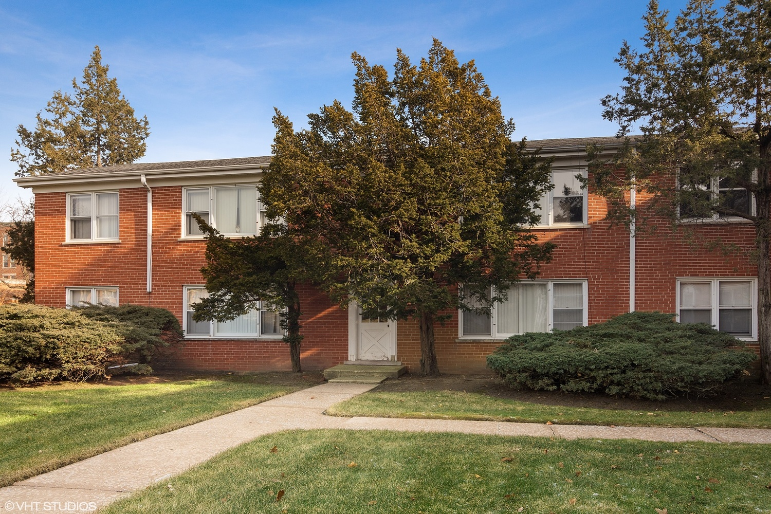201 Johnson Street, Unit 2B Palatine, IL 60067