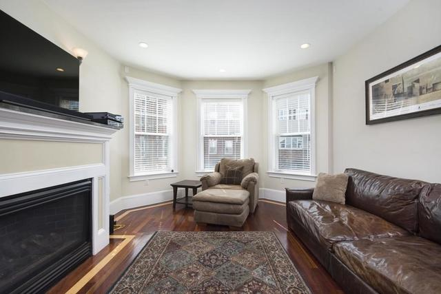 682 East 8th Street, Unit 1 Image #1