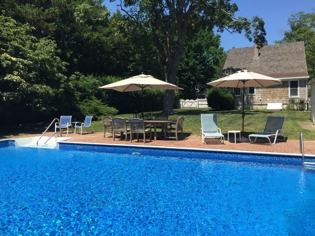 15 Huntting Lane East Hampton, NY 11937