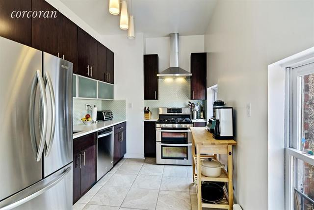 292 Carlton Avenue, Unit 2 Image #1