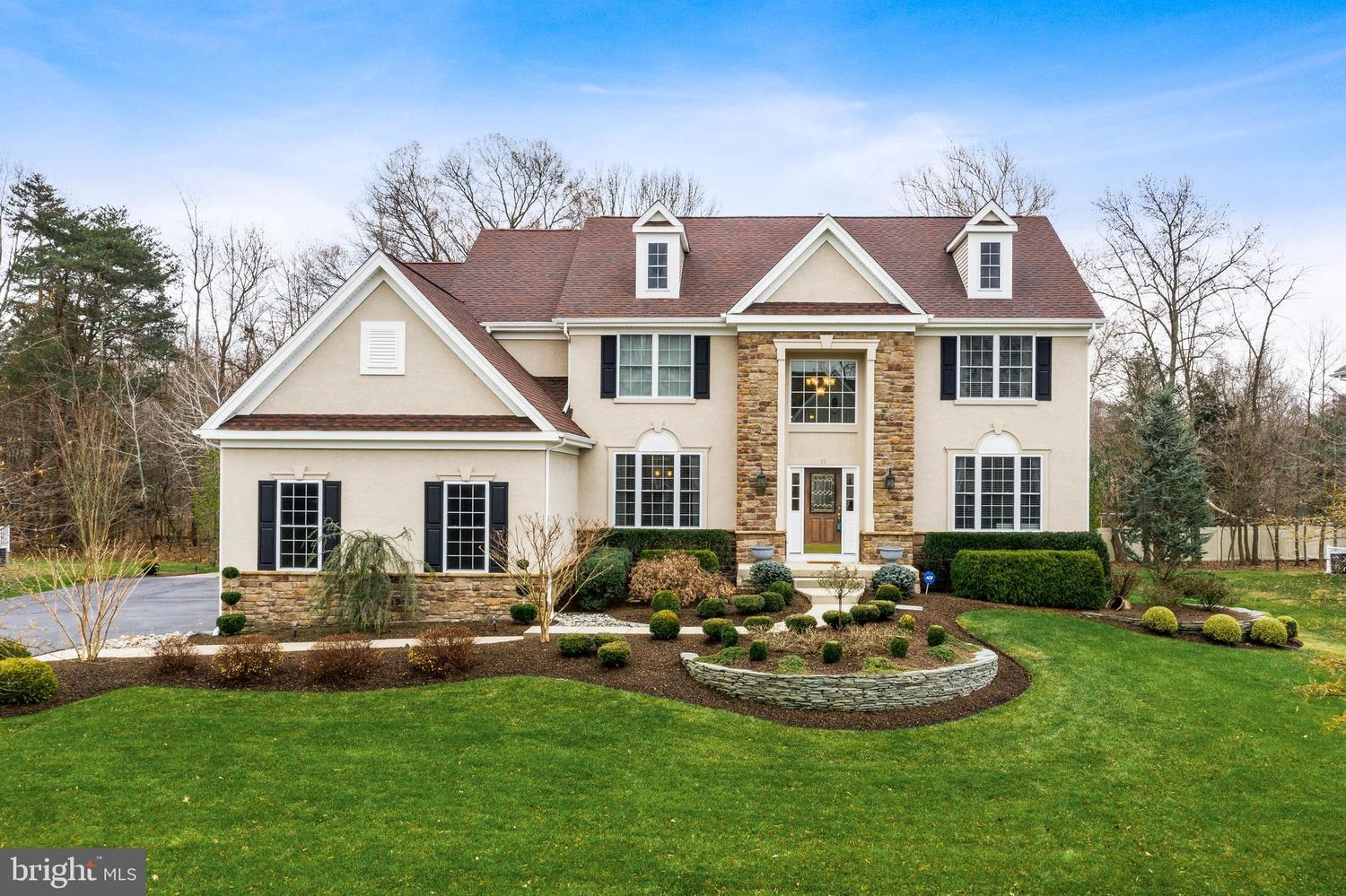 55 Foxcroft Way Mount Laurel, NJ 08054