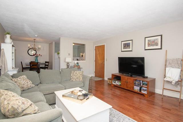 18 Williamsburg Court, Unit 21 Shrewsbury, MA 01545
