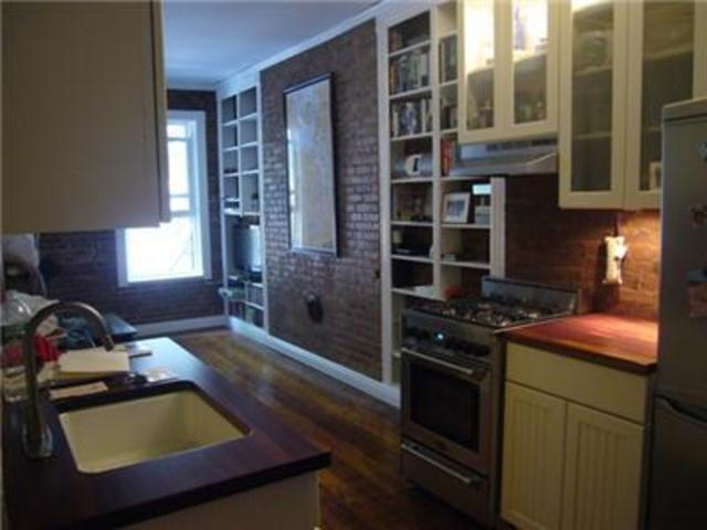 140 West 10th Street, Unit 2FE Image #1