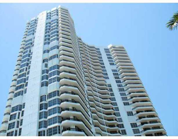 3600 Mystic Pointe Drive, Unit 310 Image #1