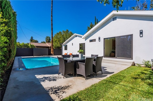 15050 Killion Street Van Nuys, CA 91411