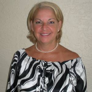 Headshot of Mirna McGarr