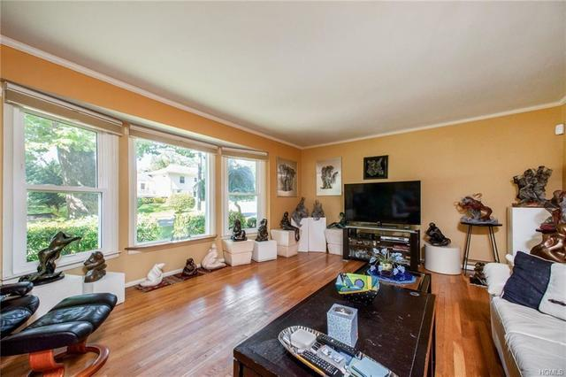 21 Sparrow Circle White Plains, NY 10605