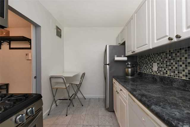 55-25 31st Avenue, Unit 4L Queens, NY 11377