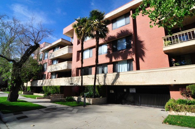 14521 Benefit Street, Unit 302 Sherman Oaks, CA 91403