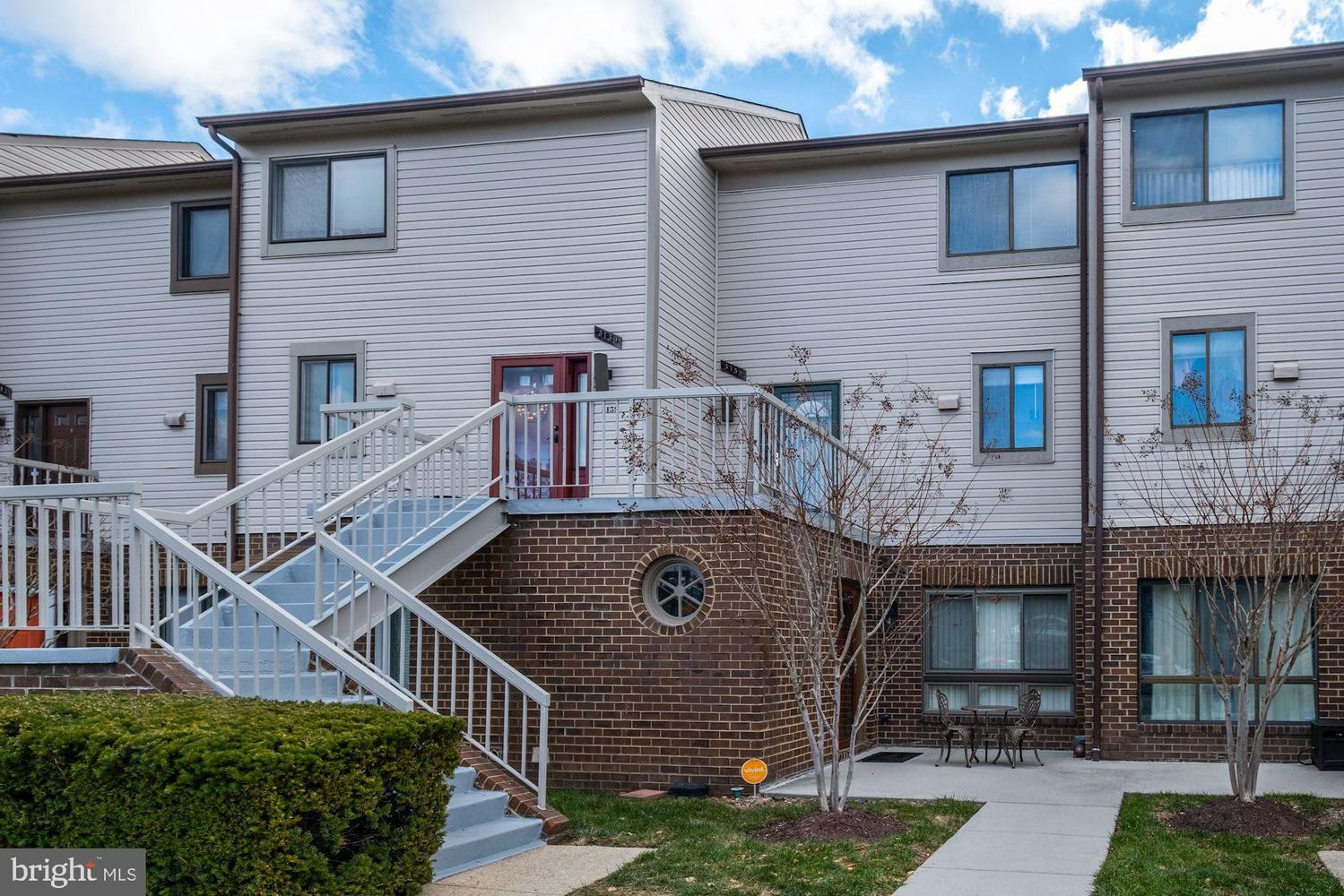 3135 Hawthorne Drive Northeast, Unit 3135 Washington, DC 20017