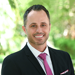 Karl Hueck, Agent in Miami - Compass
