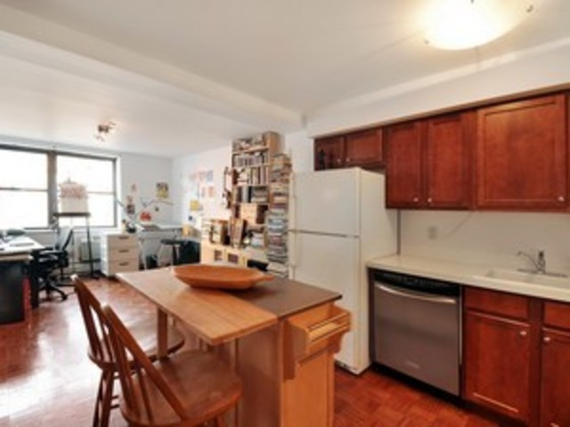 156 Sackett Street, Unit 2D Image #1