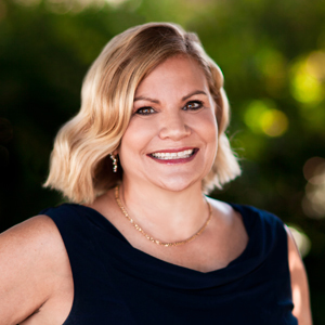 Tracy Davis,                       Agent in Los Angeles - Compass