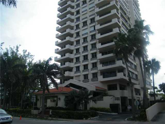6422 Collins Avenue, Unit 303 Image #1