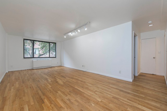 447 West 45th Street, Unit 2D Image #1