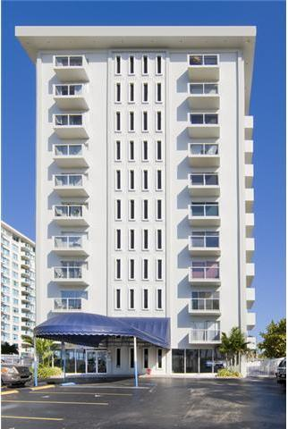 5313 Collins Avenue, Unit 401 Image #1