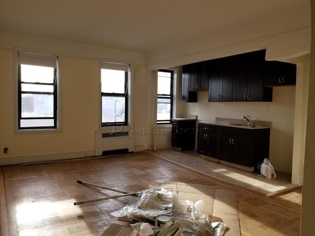 27-10 Newtown Avenue, Unit C6 Queens, NY 11102