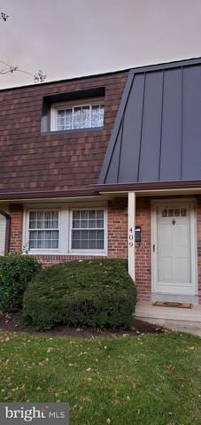409 Hampton Court, Unit 148 Falls Church, VA 22046
